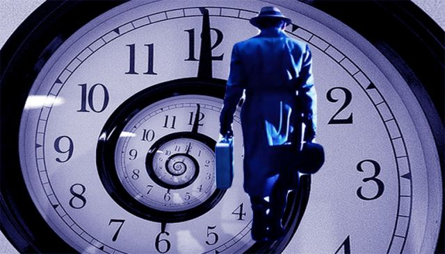 """""""Time Traveler"""" Who Claims He's Been To The Year 2749 Reveals What Happens In The Future  HYGO"""