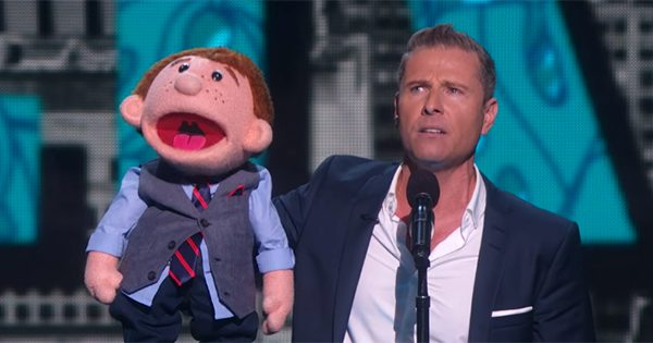 Ventriloquist Gets Annoyed On Show – Keep An Eye On The Dummy After He Storms Off Stage